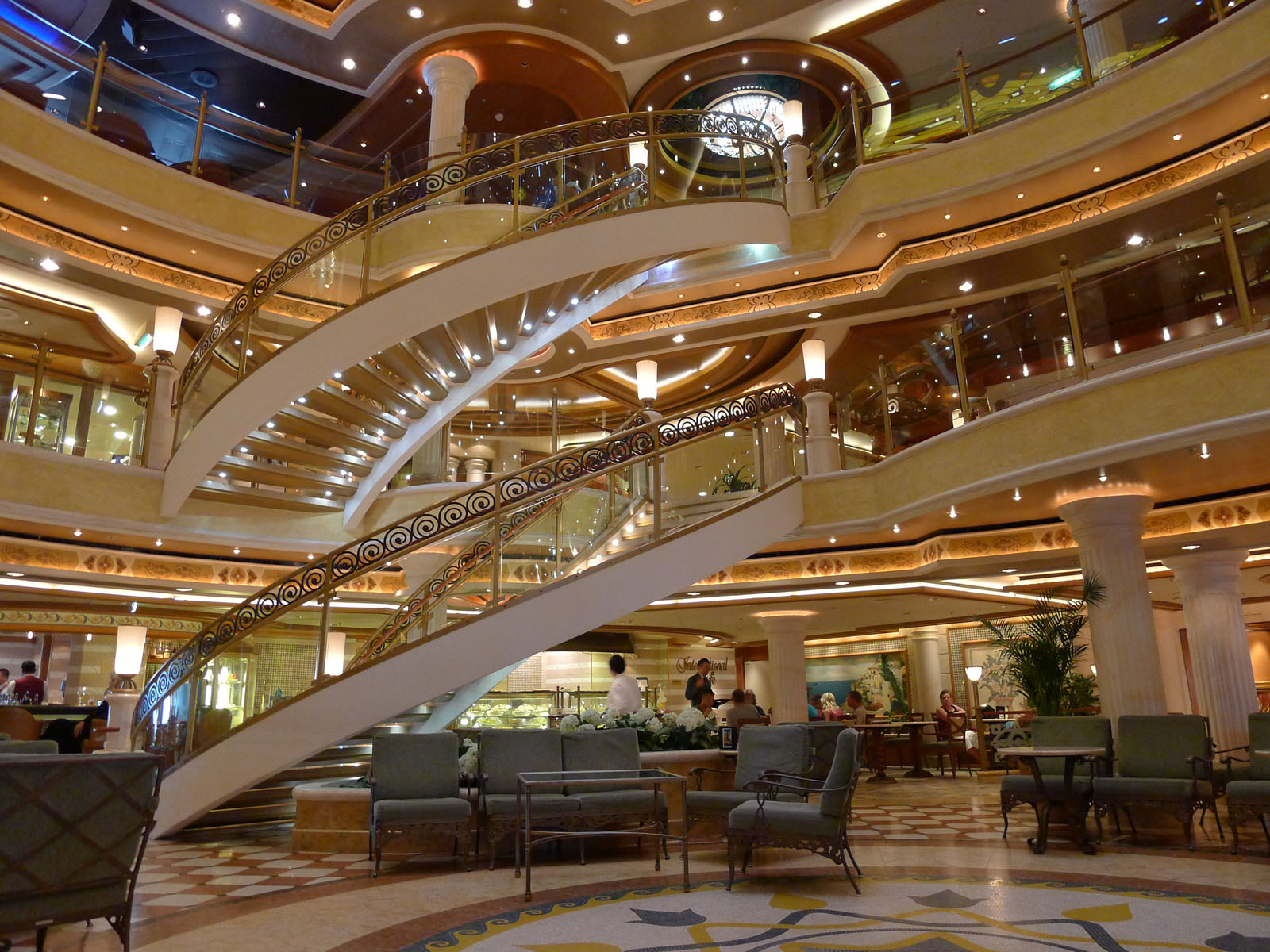 Main gallery on the Ruby Princess