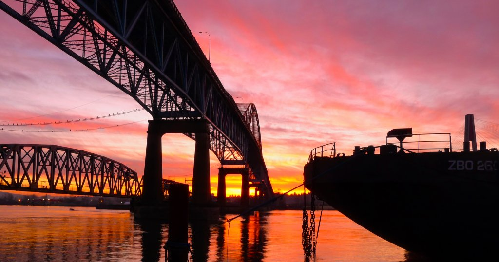 Sun Rise in New Westminster