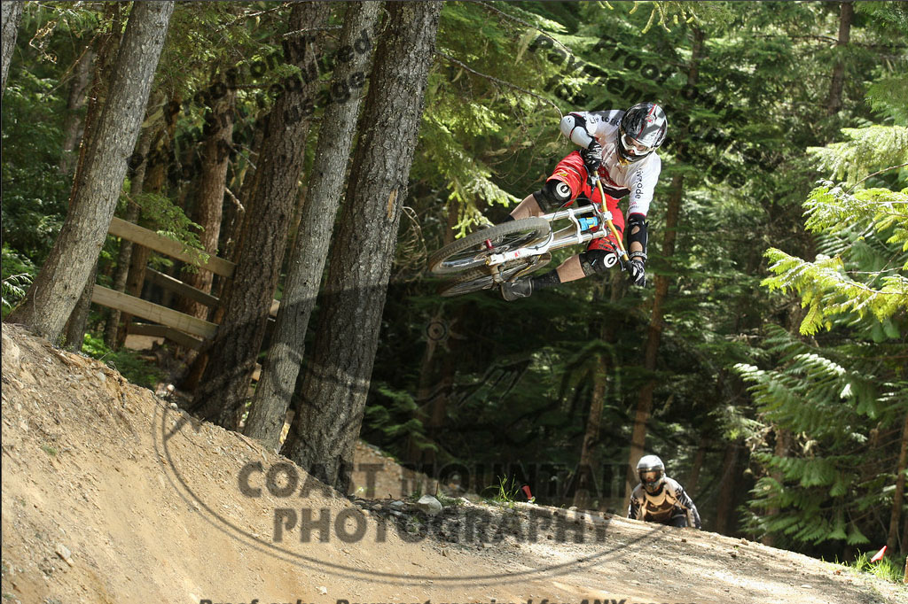 This is definitely one of my favourite jumps in the bike park, with an endless hipped landing zone.
