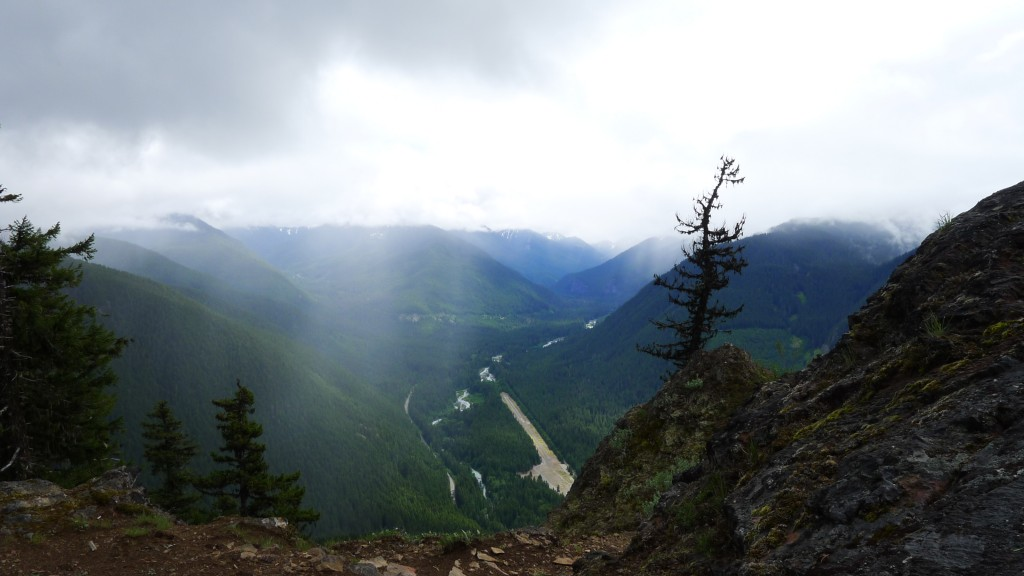 View down in to the valley from Pallasades